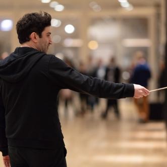 Cevdet Erek performs chiçiçiçichiciçi (live) during opening of Cevdet Erek, chiçiçiçichiciçi February 28, 2019, Art Institute of Chicago. © Cevdet Erek
